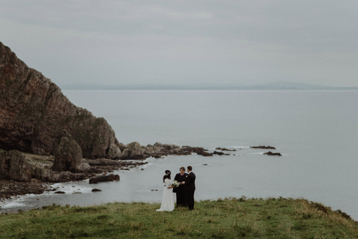 wedding ceremony on cliffside
